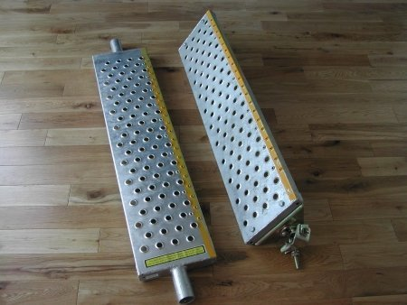 A pair of 0.9m scaffold stair treads